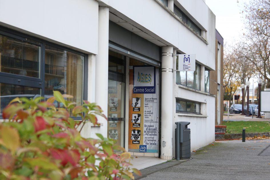 Photo de l'entrée du centre social AGIES