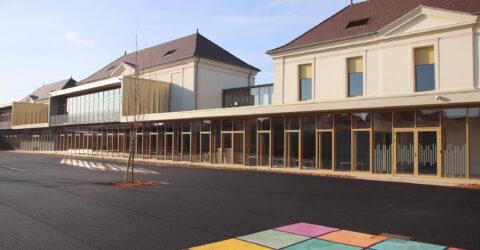cour de l'école Jacques Eberhard à Mayville
